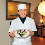味力びと 〜 ぷるぷるフルーツの寿司 力寿し 代表 力谷 昭夫さん