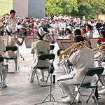 夏の夕暮れに演奏いかが 和歌山県警音楽隊 たそがれコンサート