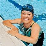わかやま大会⑨ 〜 水泳 東出里三(さとみ)選手(58) 水とメダルを〝つかむ〟
