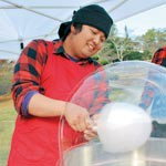 週末は〝出張わた菓子職人〟 和歌山市の伊東拓也さん 売上は児童養護施設へ