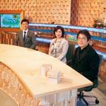 テレビ和歌山 紀州材使った番組セット 広谷純弘さんがデザイン