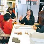 手話で仕事に喜びを 就労支援事業所「手の郷」開設
