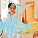 ため池の命 アートで表現 染織家 土井知子さん個展