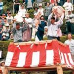 和歌山の餅まき大盛況