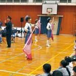 川永小 消防団の音楽と劇で防火学習
