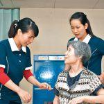 介護現場 増える外国人