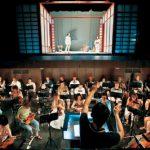 オペラ支える管弦楽団を