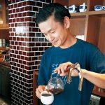サイホンの味わい深く〜フェイバリットコーヒー和歌山店  西田武史さん