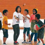 松江小 マレーシア児童とゲーム