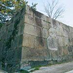 歴史刻む魅力的な石積み 相反する野面積みと切込接