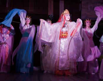 名草姫ゆかりの地で奉納舞台「演奏舞」