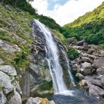 滝物語55 まるで突き出た腹の形〜鼻白の滝(新宮市熊野川町)