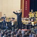 岩出小 オーケストラの演奏で校歌合唱
