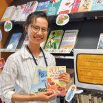 ベトナム人が読める本を〜ニューさん 母国語の112冊寄贈